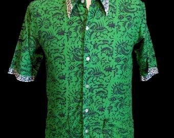 Vintage 80s 90s Men's Batik Print Shirt, 1980s 1990s Green & Blue w Border Print Short Sleeve Button Front, Size Small to Medium