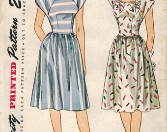 1940s Simplicity 1676 Vintage Sewing Pattern Misses Frock Size 12 Bust 30