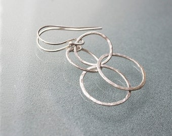 Silver Hoop Earrings - Interlocking Circle Earrings - Eternity Circle - Minimal Earrings Silver - Geometric Earrings - Minimalist Jewelry -