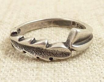 Size 6.75 Vintage Sterling Wrapped Leaf Ring