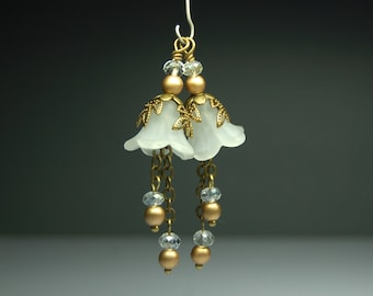 Vintage Style Bead Dangles Drops Charms White Lucite Flower Pair C917