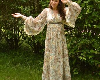 70s Maxi Dress Romantic Boho Gown Sz S to Sz M