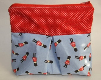 British Guard Pleated Zipper Pouch