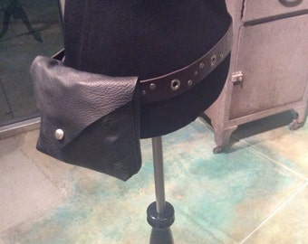 """Leather """"Hip"""" hip pouch"""