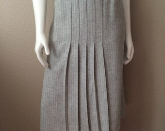 Vintage Women's 80's Grey, A-Line Skirt, Pinstriped, Wool, Pleated by White Stag (S)