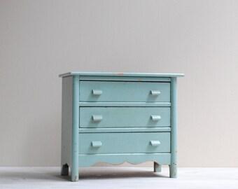 Vintage Mini Wood Chest of Drawers / Doll Dresser