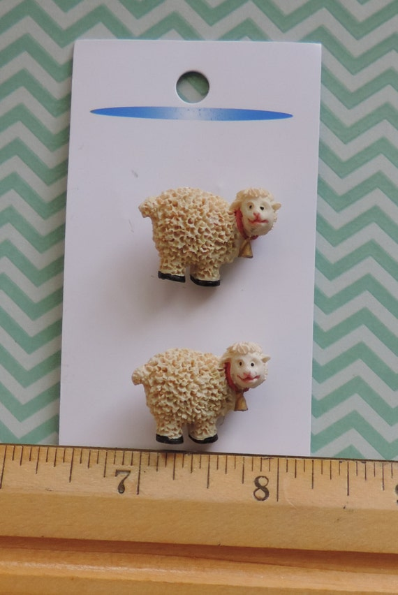 Sheep Lamb Buttons JHB Buttons Carded Set of 2 Style 23082
