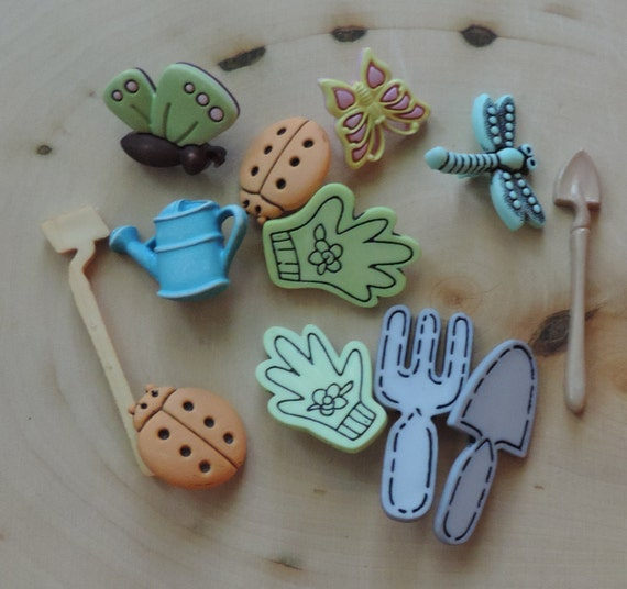 """Gardening Buttons, Packaged Novelty Button by Buttons Galore """"Spring Garden"""" Style 4452, Includes Watering Can Garden Tools & More"""
