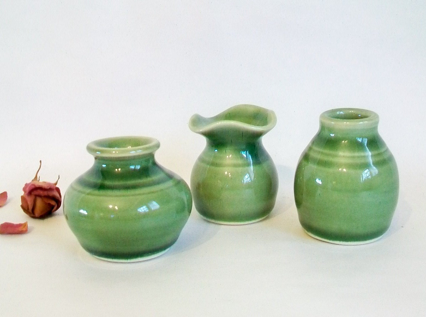 gl vase urn with Little Vases Set Of 3 Small Green Vases on Gold Carnival Glass Vase Urn Bottle With in addition Search as well Urns Planters Vases Furniture likewise Little Vases Set Of 3 Small Green Vases besides Vases With Lids.