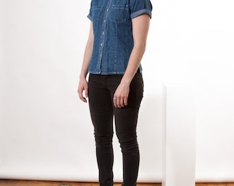 Short Sleeve Denim Shirt / Jeans Button Up / Medium Blue Retro Shirt