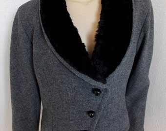 1950s Saks Fifth Ave Asymmetrical Tweed Jacket with Beaver Collar - Wool Cropped Coat in Charcoal Grey & Black