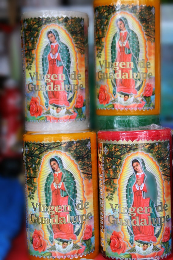 "Virgen de Guadalupe Candles (5"" x 7"" photographic greeting card - blank inside/with envelope)"