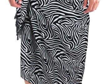 La Leela Animal Skin Printed Likre Swim Wrap Pareo Men's Sarong White  -123852