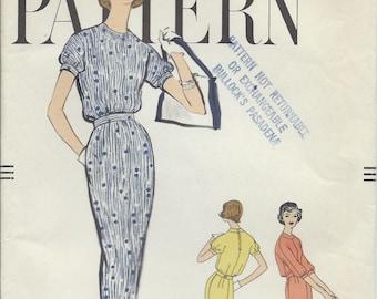 Vintage 1958 Vogue Sewing Pattern 9451 One Piece Dress / Size 10