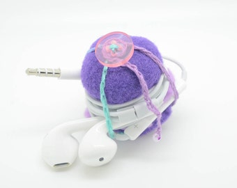 Tiny felt macaroon to store your earbuds! No more tangling in your purse!