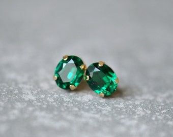 Emerald Stud Earrings Swarovski Crystal Studs Earrings Emerald Green Super Sparklers Vintage Mashugana