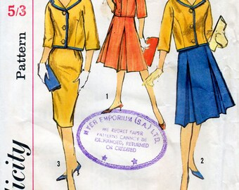 1960s Skirt Suit Pattern Simplicity 4361 Vintage Sewing Pattern Jacket and Slim or Pleated Skirt Bust 34