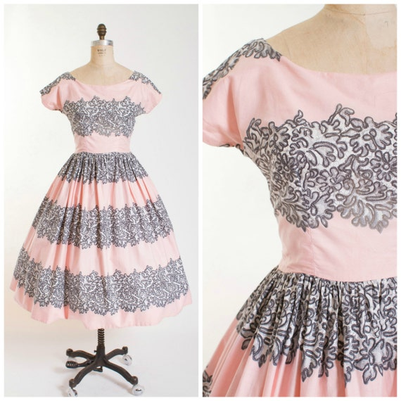 1950s Vintage Dress Blus Pink Cotton with Lace Print Vintage 50s Dress with Full Skirt Size Medium