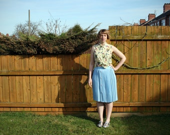 Vintage 80's pleated pastel blue skirt UK 18 US 14 buttons duck egg