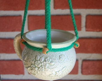 Set of 2 Hanging Planters Mug Handle Hanging Planter Green White Clay Ceramic Flowers Butterfly Macrame Terrarium Pots Plant Holders