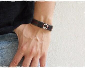 Claddagh Bracelet, Men's Leather Bracelet, Love Loyalty Friendship Bracelet, Irish Leather Bracelet Cuff, Engagement Celtic Bracelet Cuff