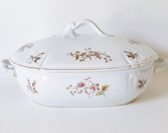 Antique French Provincial Covered Bowl Tacoma China Delicate Floral Motif Covered Turine Vintage 1930 Cottage Kitchenware Baking Dish