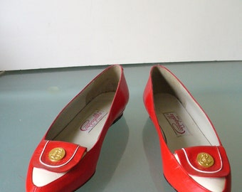 Vintage Red & White Pappagallo  Spectator Pumps Size 7 US