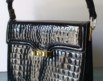 Chic De Paris Faux Alligator Leather Shoulder Bag