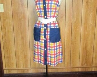 On Sale- Adorable PLAID Vintage COTTON Day Dress