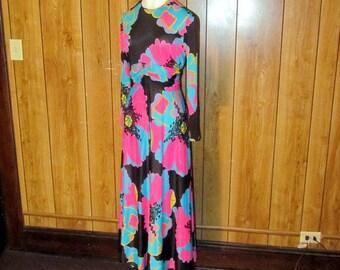 RETRO Vintage 1960's HAWAIIAN Floral MAXI Dress