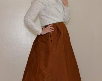 Bronze Me Baby 1890s / 1900s Vintage High Waist Tiered Tie Back Hand Stitched Victorian Style Warm Winter Walking Skirt Sz Medium