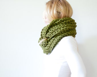 RTS - the ALBERTA cowl - chunky crochet infinity scarf - cilantro