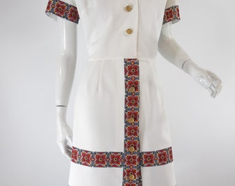 60s or 70s Short Sleeve Shirtwaist Dress With Ethnic Medallion Print - lg, xl