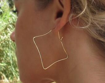 Square Gold Earrings - Handmade Hoop Earrings 2 inch - Geometric Earrings. Modern Earrings. Dainty earrings. Fashion Jewelry for Her. 5 cm
