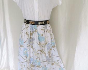 Vintage 70s womens shirtwaist dress, blue floral, white cotton, button down, short sleeve, summer, day dress