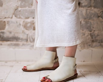 Designer  shoes Tabi opened toe sandals / Women cream sandals / women white sandals / Flat sandals / Spring leather shoes