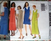Butterick Misses'/Petite Misses' Jumper And Top Pattern 5926 - Size 14-16-18