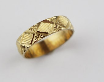 Vintage Brass Costume Ring Ladies Ring with Etched Diamond Cut Surface Design US Size 6.75  UK size N