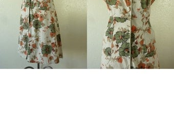 1950's Cotton Flower Print Day/House dress. Bust 43-44 inch