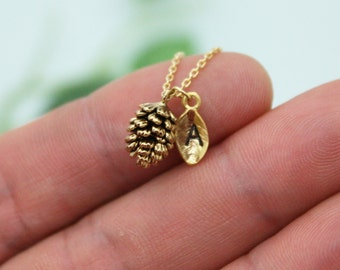 Pine Cone necklace,tiny pinecone necklace,Clover necklace,initial necklace,personalized necklace,4 leaf clover, good luck,birthday gift