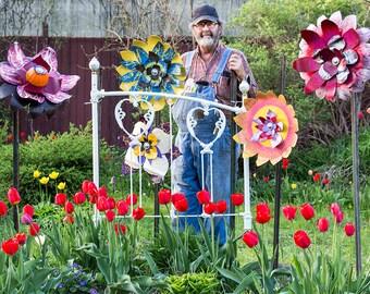 Giant Rusty Flower Metal Yard Art Garden Sculpture. Indoor Outdoor Metal Wall Art. 21-inch diameter. Primitive Folk Rustic OOAK. 16-410G