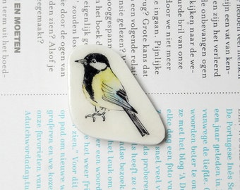 Hand painted Great tit brooch. Bird badge. Illustrated brooch