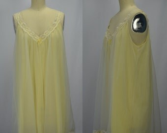 1960s Vanity Fair Yellow & White Nylon Chiffon and Lace Nighty Size Medium
