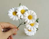 50mm Paper Daisies with Yellow Centre - White Mulberry paper flowers with wire stems - 5 pieces [152]