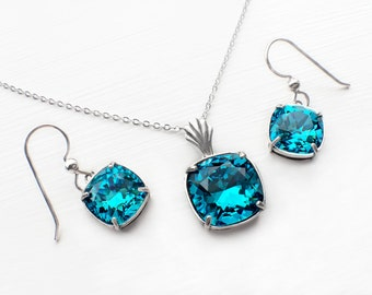 Teal Blue Bridal Earring and Necklace Set, Teal Swarovski Crystal Wedding Jewelry, Teal Bridesmaid Set
