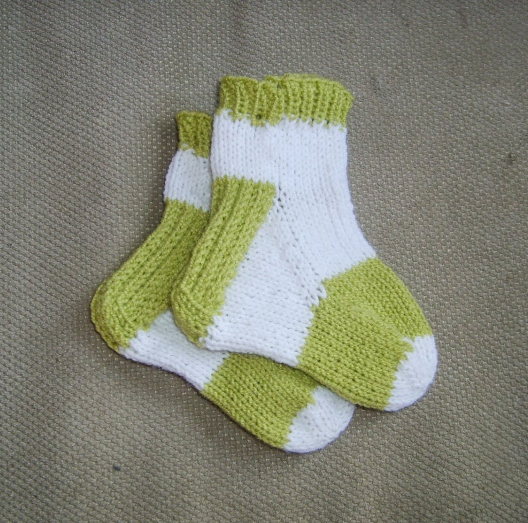 Knitting Pattern For Toe Socks : Toe up Socks with Six Different Heels knitting pattern