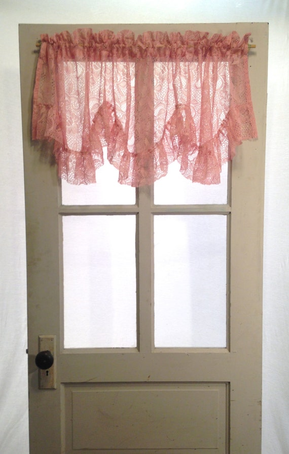 Country Mauve Pink Ruffled Lace Valance Scalloped Shabby