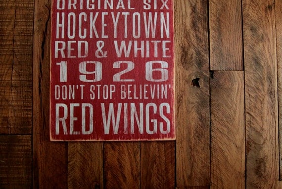 Detroit Red Wings Hockey Distressed Wood Sign--Great Father's Day Gift!