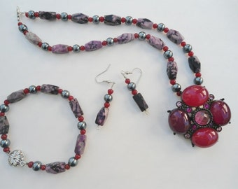 Bohemian Necklace Hippie Bracelet Boho Earrings Gypsy Cowgirl Glam American Hippie Boho Necklace Hematite Magnetic Clasp Red Necklace