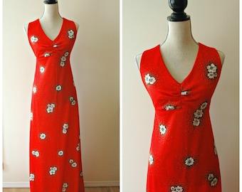 Sleeveless 1970's red floral v neck long dress. Vintage sundress. Maxi dress